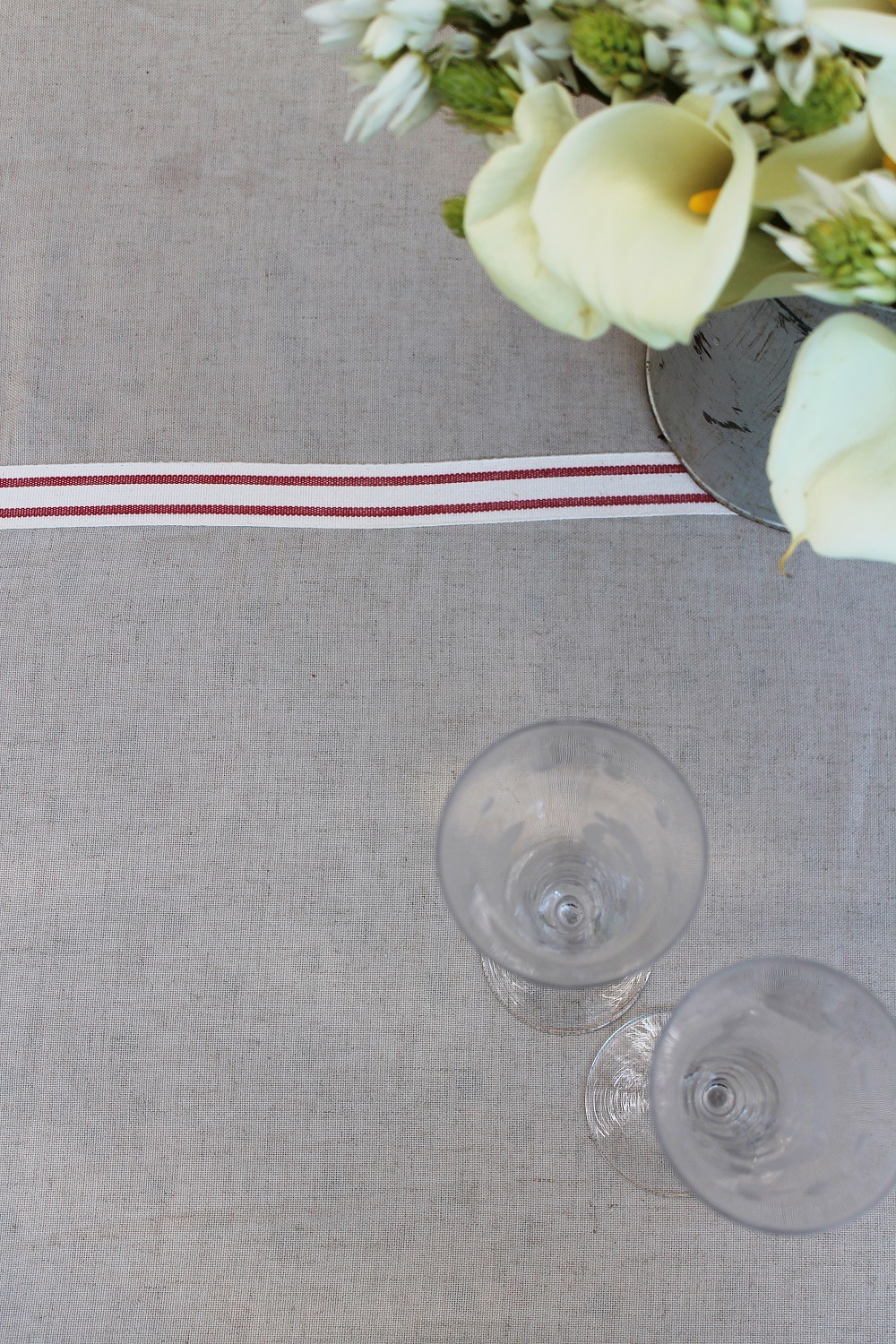 french tablecloth glass