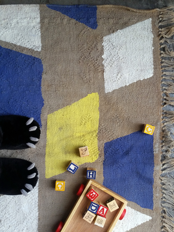 How To Paint An Old Carpet In Trendy Blue And Yellow