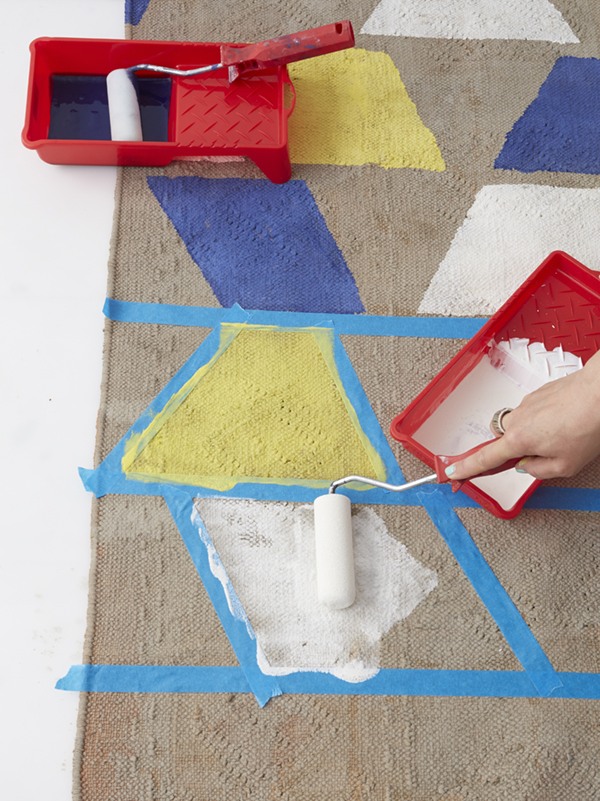 How to paint an old carpet in