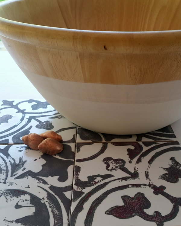 Trendy DIY Bowl: turn an ordinary bowl into a statement piece