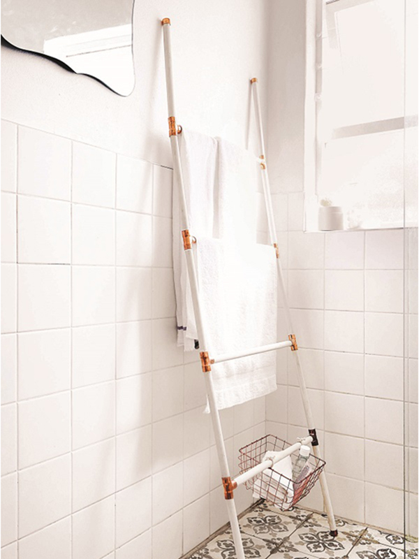 How to make a trendy copper towel ladder