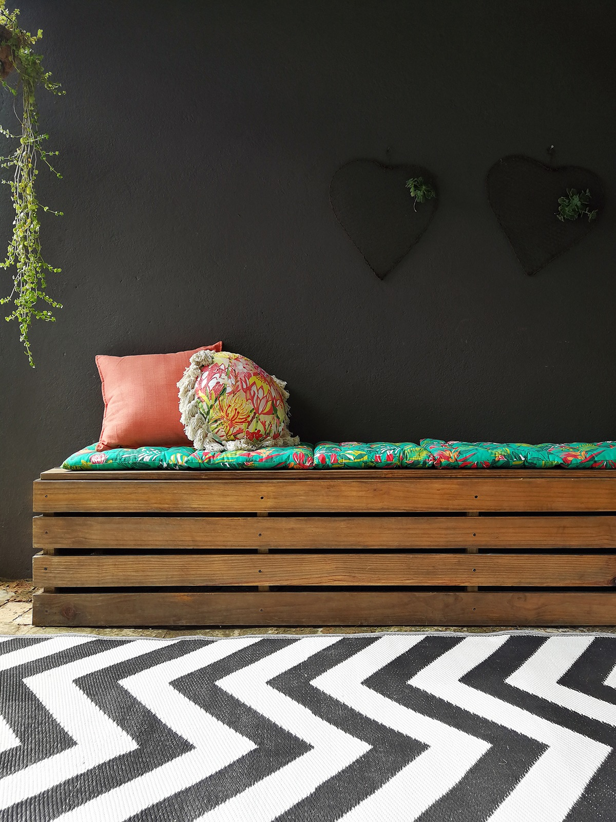 The Trusty Outdoor Storage Bench Diy Homeology