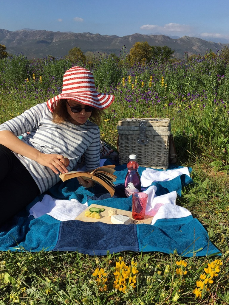 lightweight picnic blanket made from washcloths