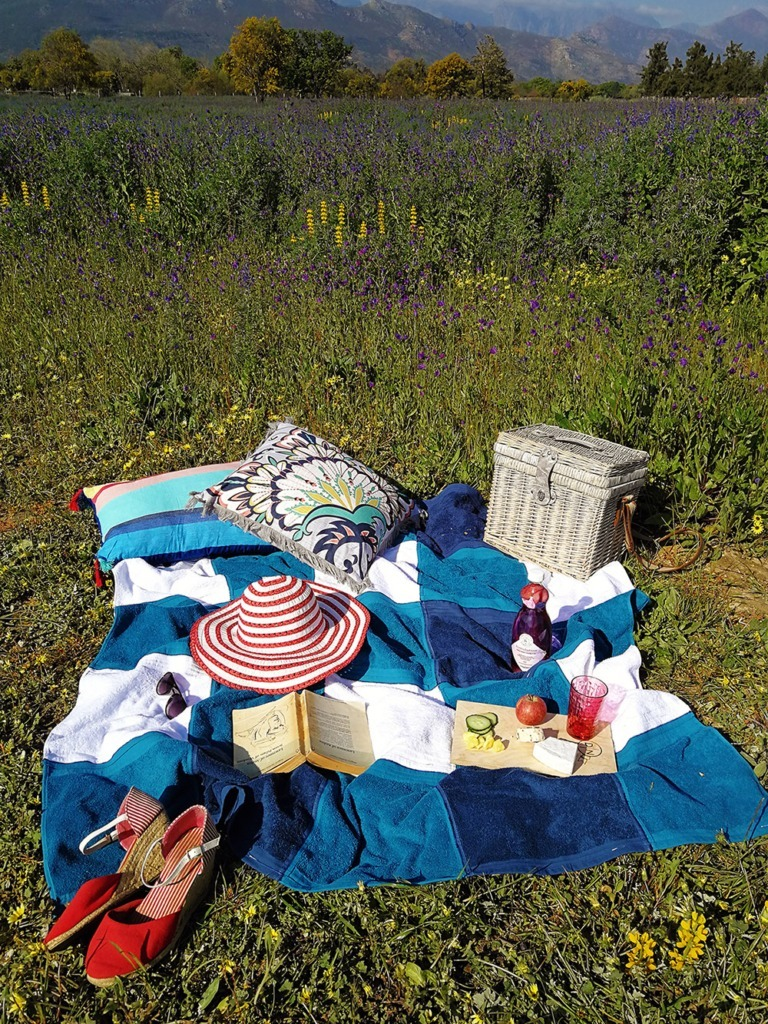 washcloth-picnic-blanket-for-outdoor-lounging