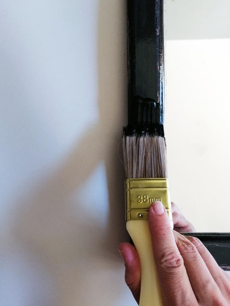 decorative-mirror-makeover-diy-paint